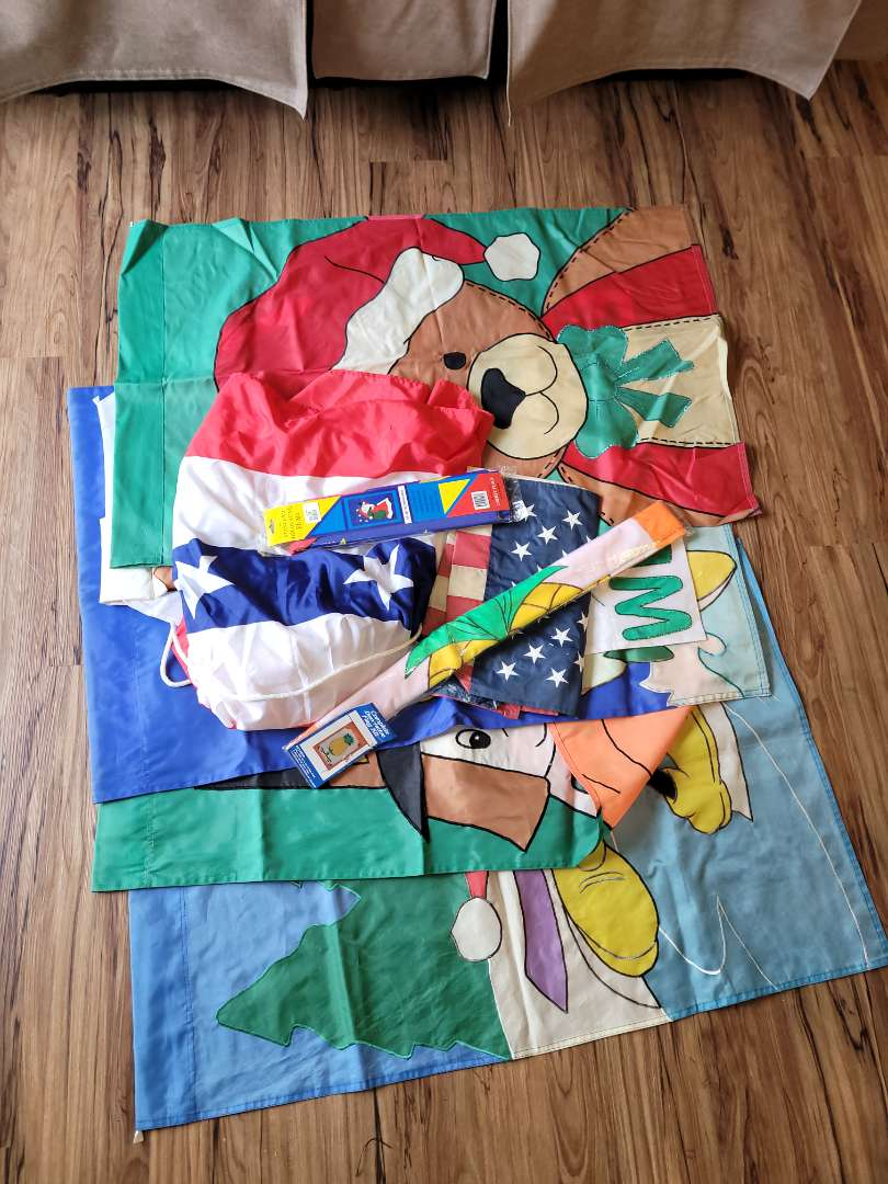 Lot # 328 Assorted Holiday Flags