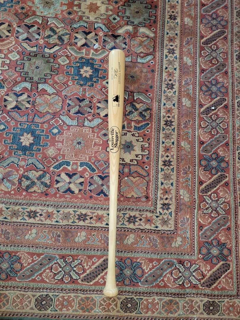 Lot # 341 MLB Grand Slam Louisville Slugger