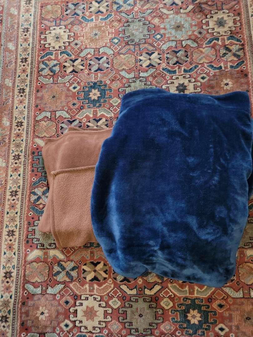 Lot # 360 (2) Soft Throw Blankets