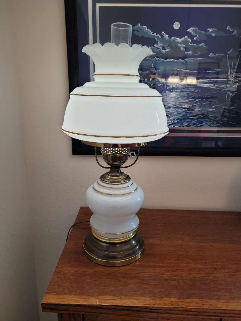 Lot # 362 Vintage Lamp
