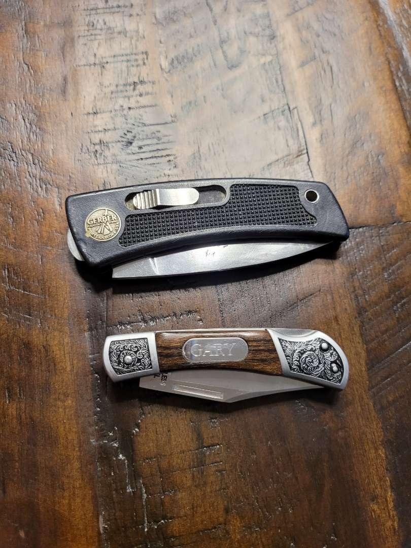 Lot # 379 (2) Pocket Knives