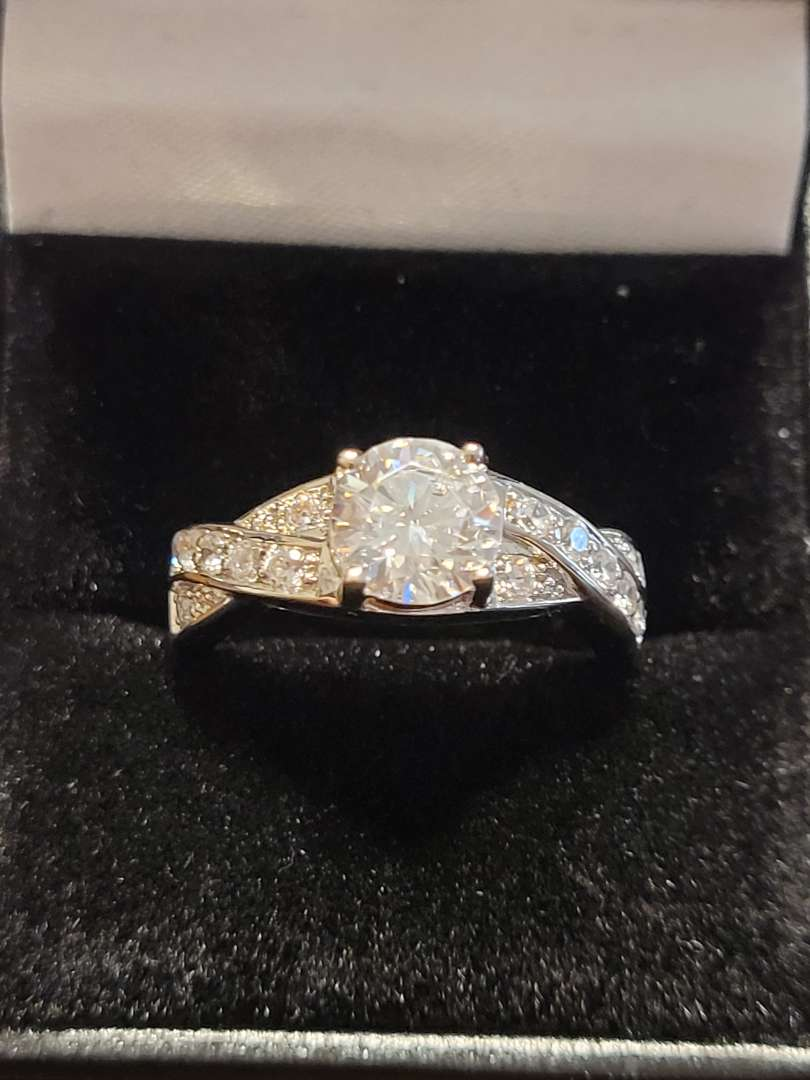 Lot # 388 Stunning Round 1.60ct White Topaz  Engagement Ring- Sterling Silver- Sz 8 - NBW