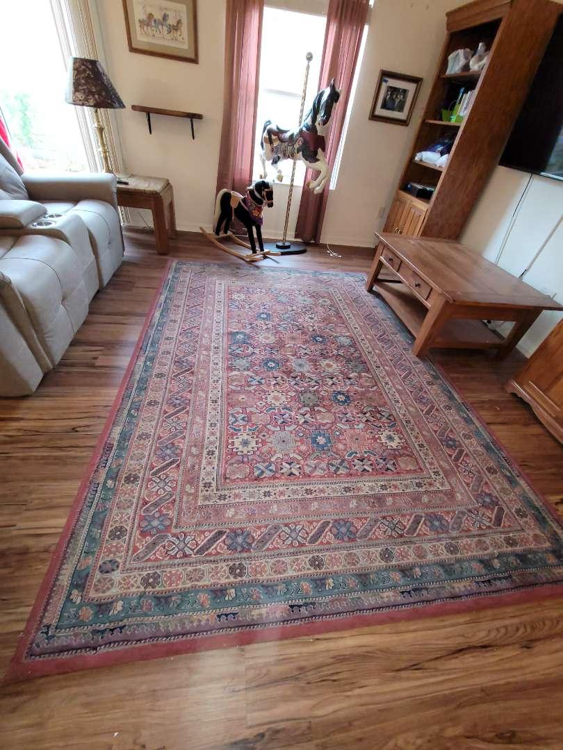 Lot # 392 Beautiful Livingroom Area Rug