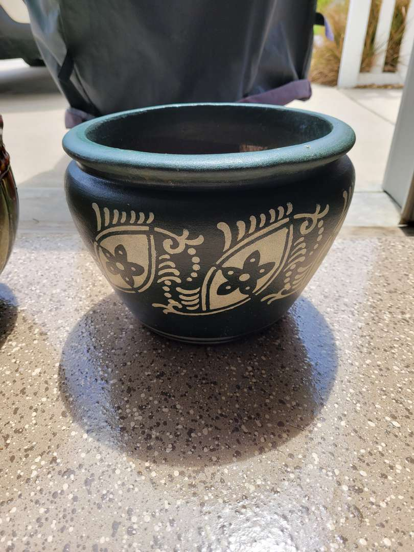 Lot # 414 Heavy Painted Planter
