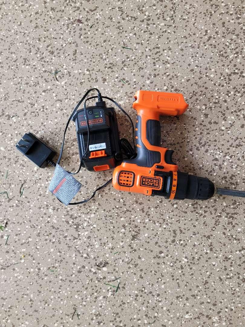 Lot # 438 Black & Decker 20V Cordless Drill