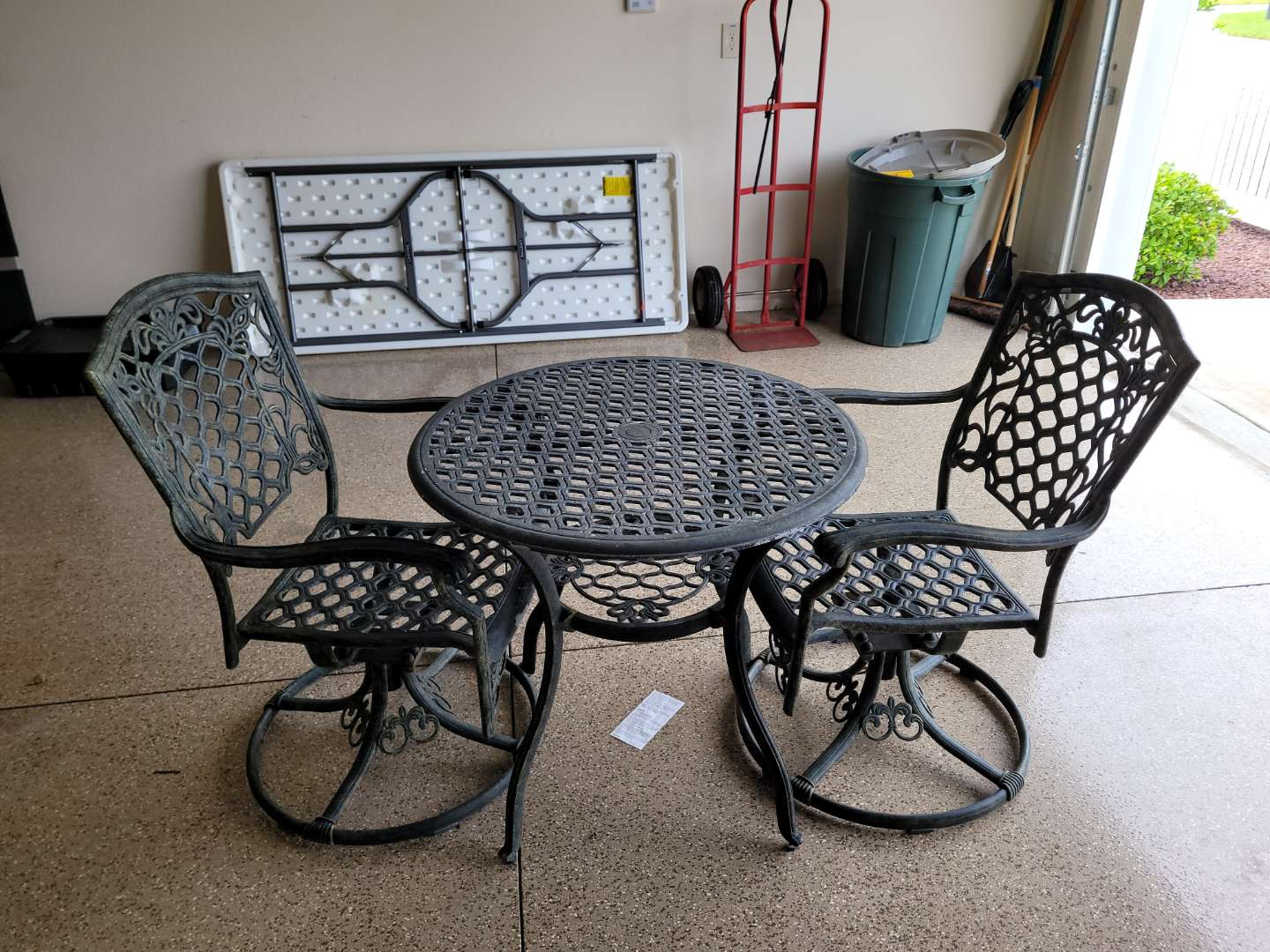 Lot # 453 Metal Table & Chairs