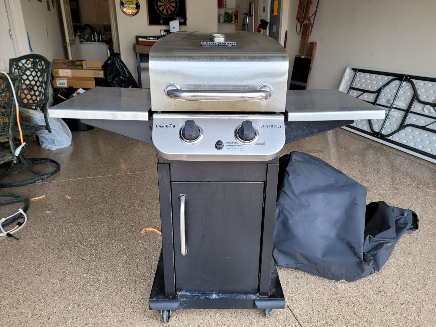 Lot # 454 Charbroil Propane Grill w/ Cover