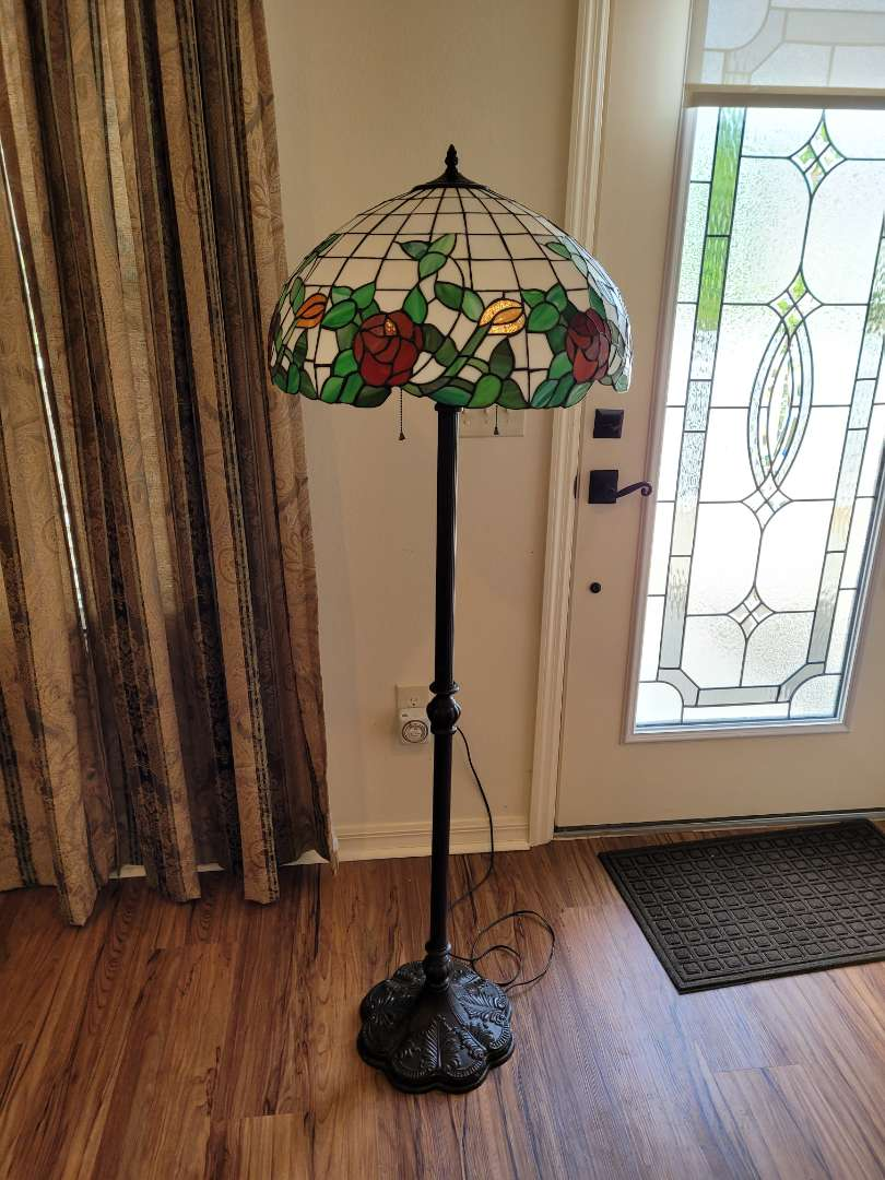 Lot # 461 Gorgeous Tiffany Style Stain Glass Floor Lamp