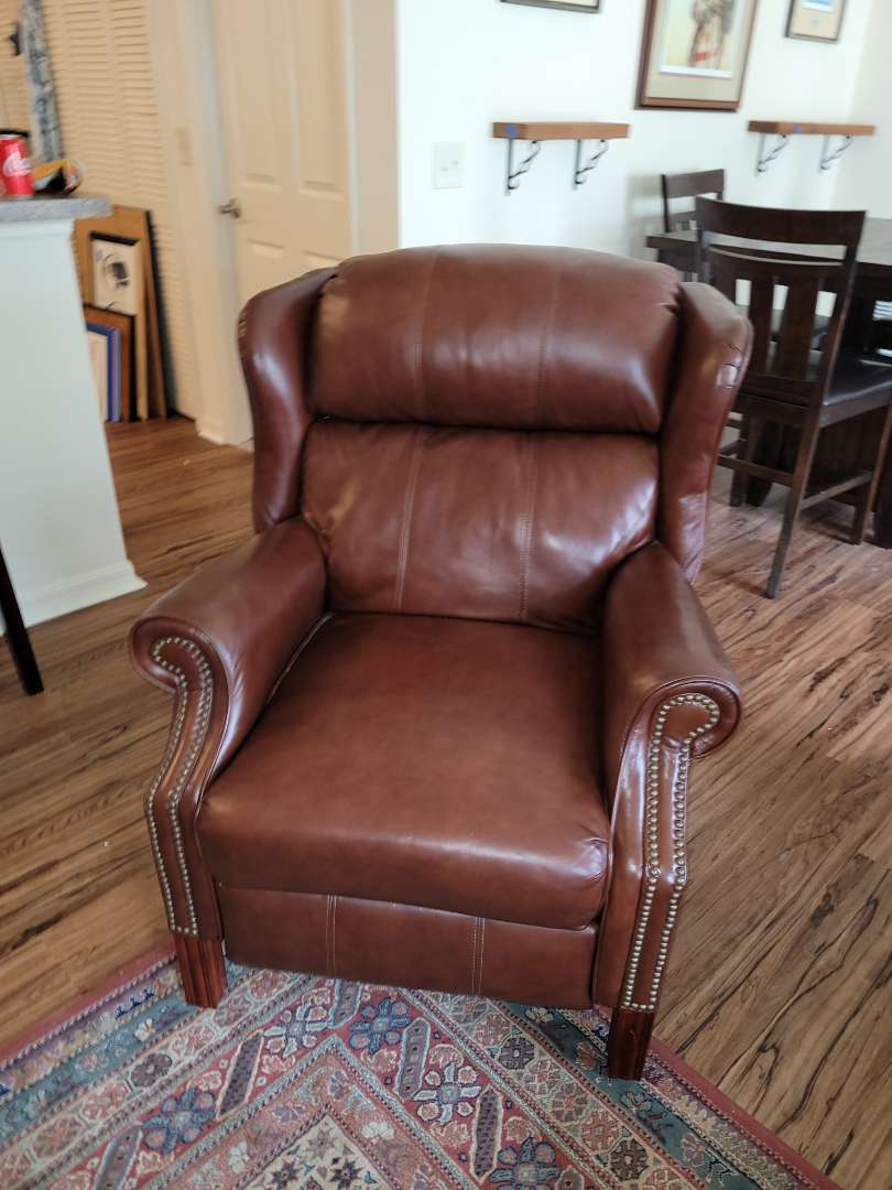 Lot # 489 Lane Furniture Leather Reclining Chair