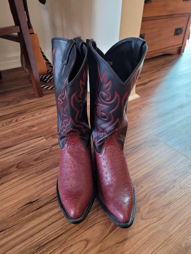 Lot # 510 Nice Men's Cowboy Boots