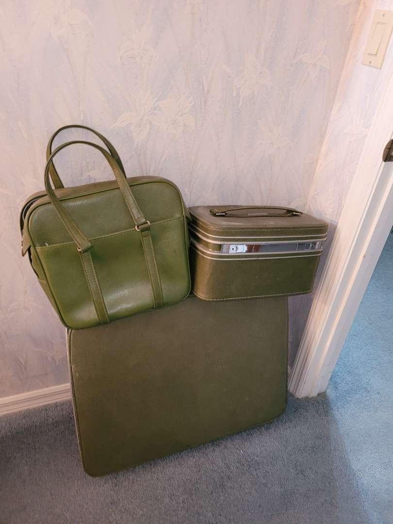 Lot # 15 Vintage Samsonite Luggage w/ Overnight Bag & Carry-on