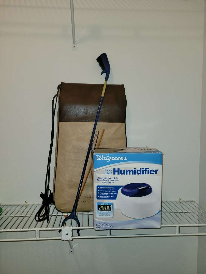Lot # 16 Humidifier & Vintage Back Massager