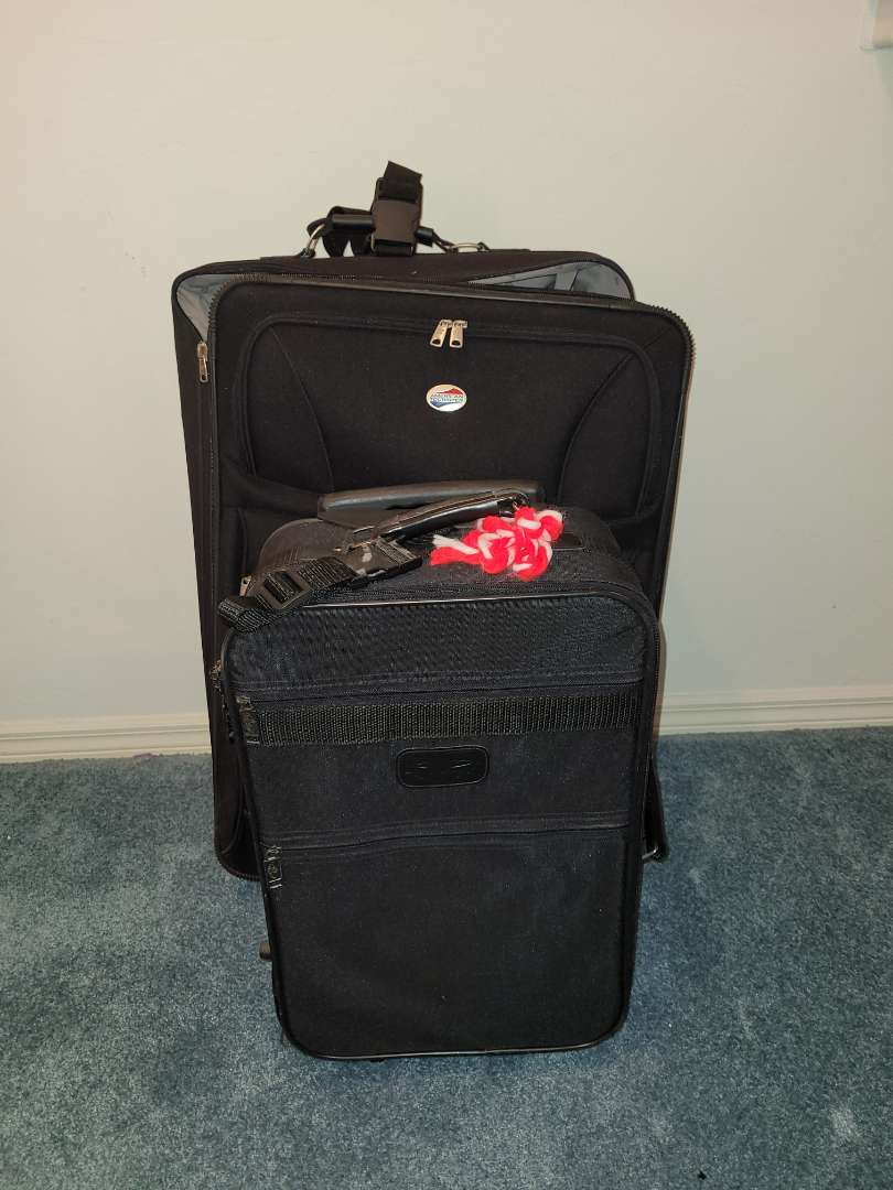 Lot # 17 America Tourist Luggage