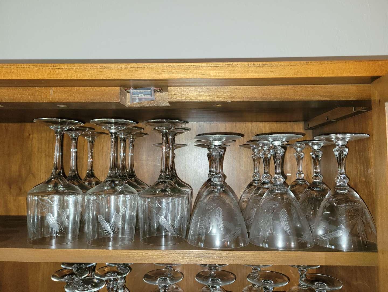 Lot # 71 (15) Wine Glasses w/ Wheat Design