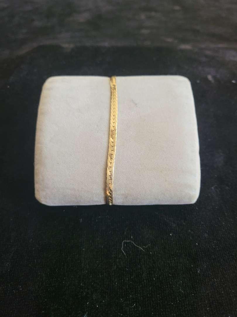 Lot # 89 14k Gold Bracelet - TW is 6.2g