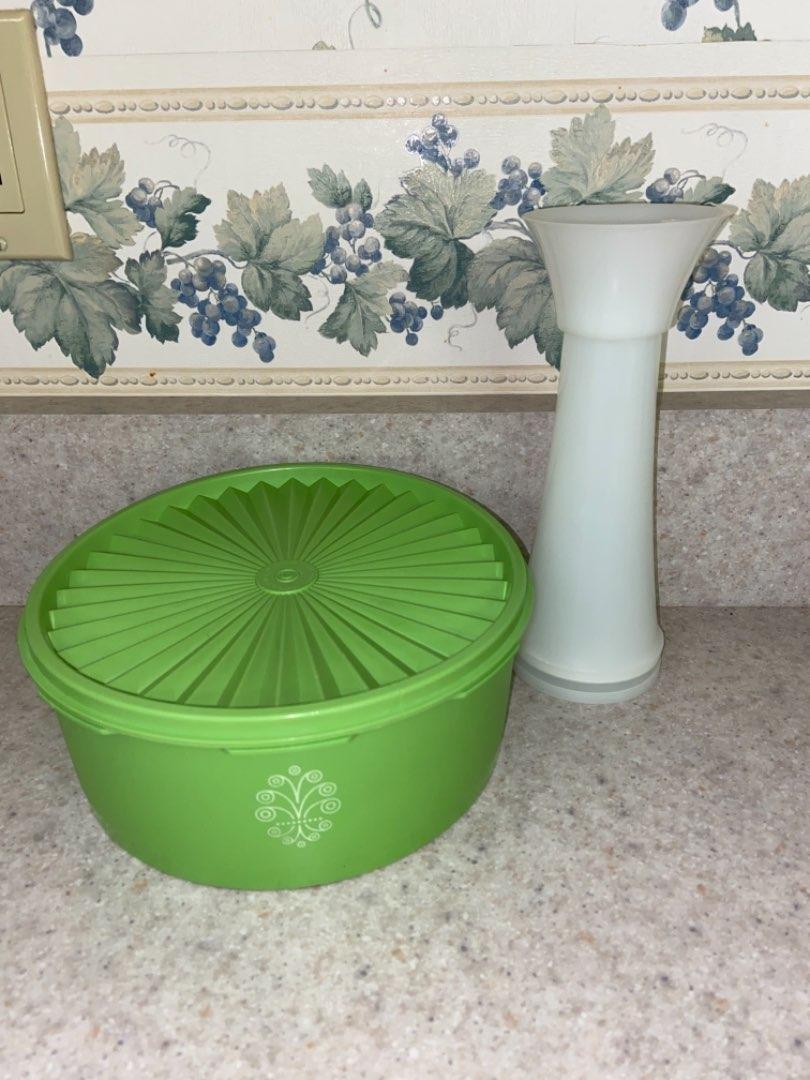 Lot # 115 Vintage Tupperware Jifi Sifter Spice Grinder & Bowl