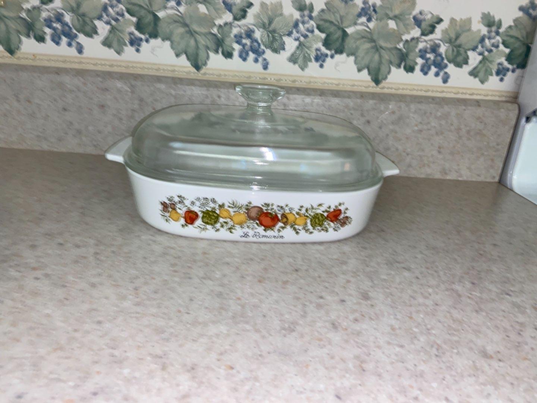 Lot # 122 Vintage Corning Ware Spice of Life 2 Quart Baking Dish w/ Lid