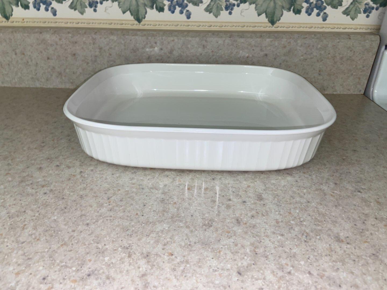Lot # 125 Large Corning Ware Dish P21
