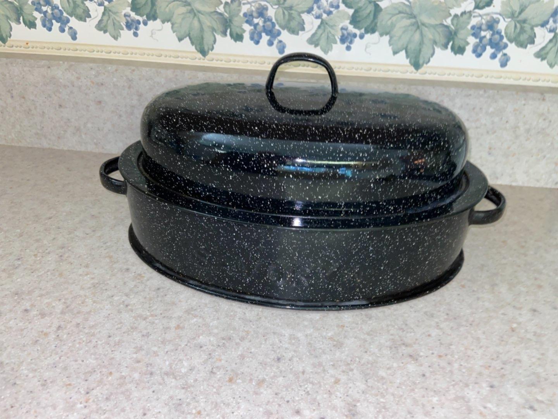 Lot # 191 Savory Jr Roasting Pan