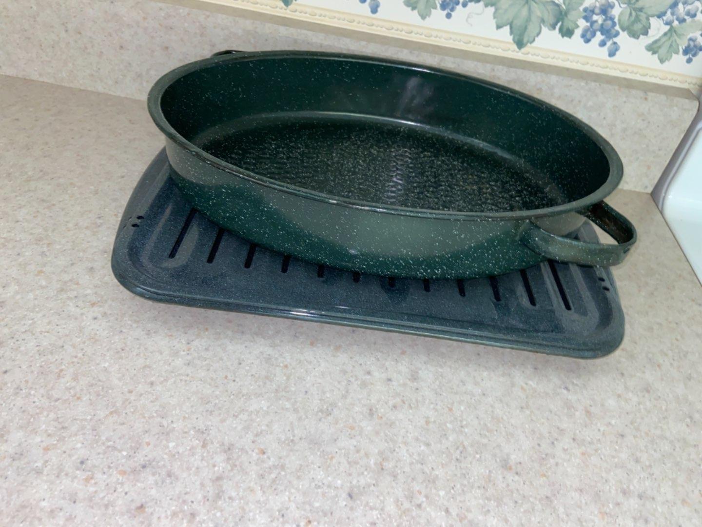 Lot # 192 Roasting Pans