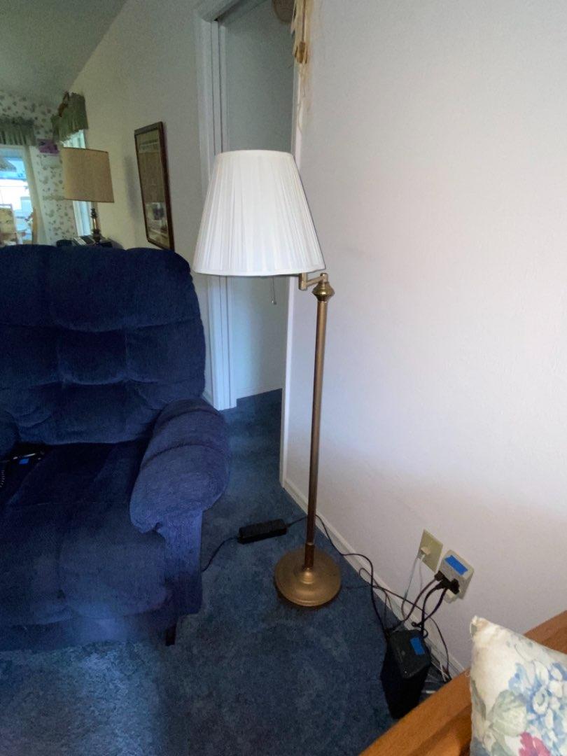 Lot # 221 Floor Lamp