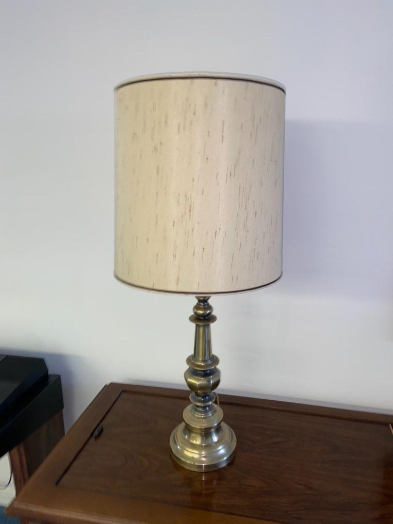 Lot # 233 Beautiful lamp