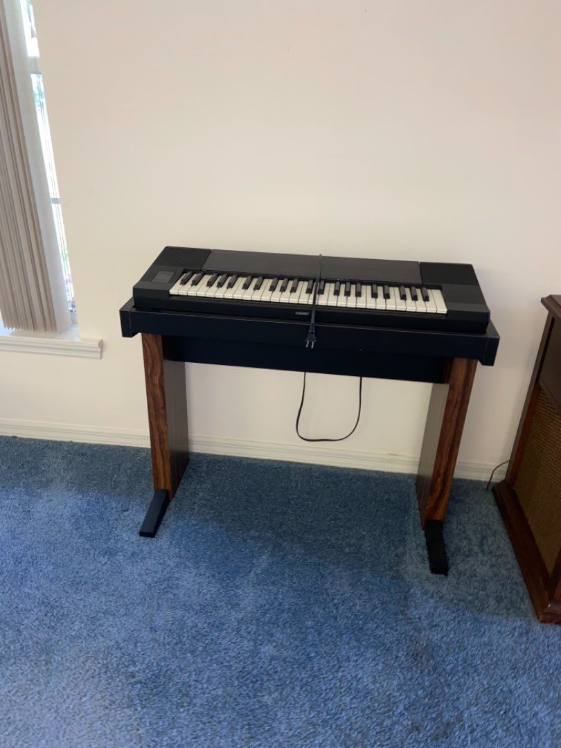 Lot # 234 Vtg Japanese Lowrey Micro Genie PCM Synthesizer Keyboard Piano & Stand