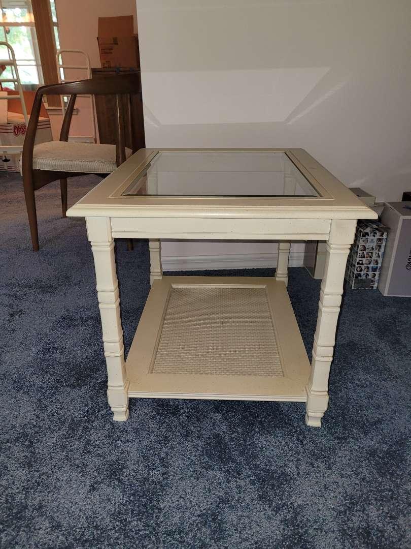 Lot # 265 Livingroom Side Table