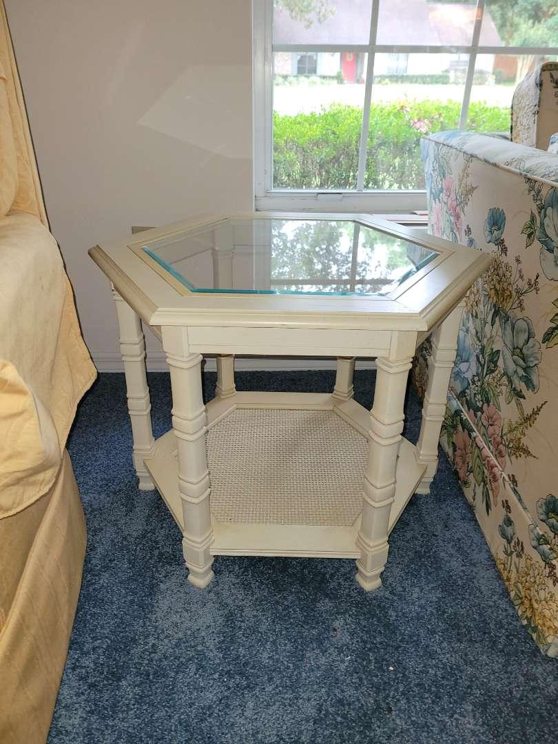 Lot # 266  Livingroom Side Table