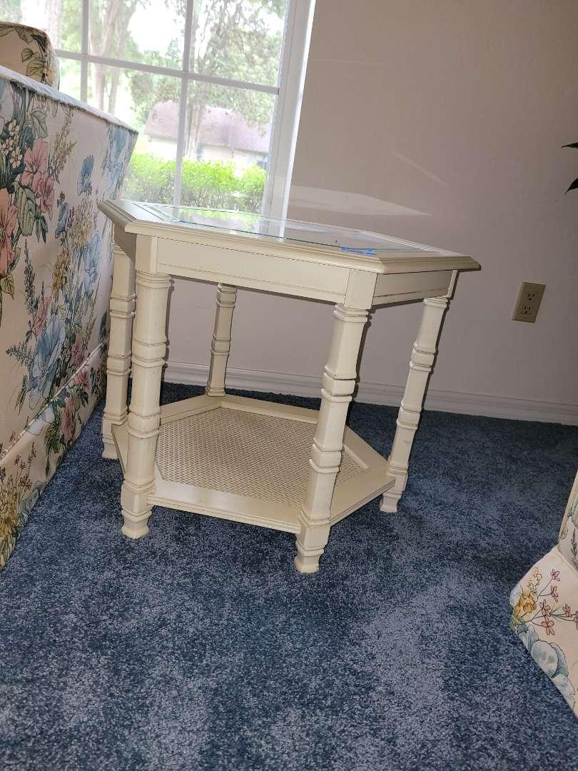Lot # 267 Livingroom Side Table