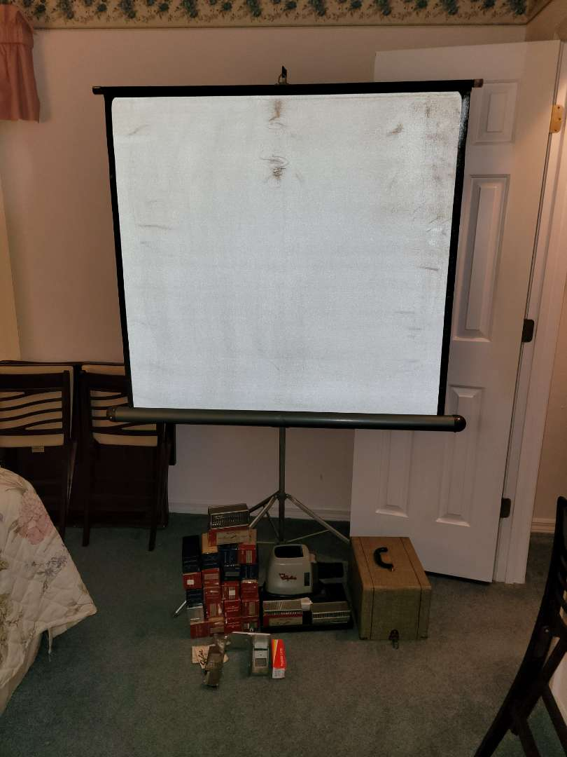 Lot # 282 Vintage Screen & Skyfire Projector w/ slides - See pics