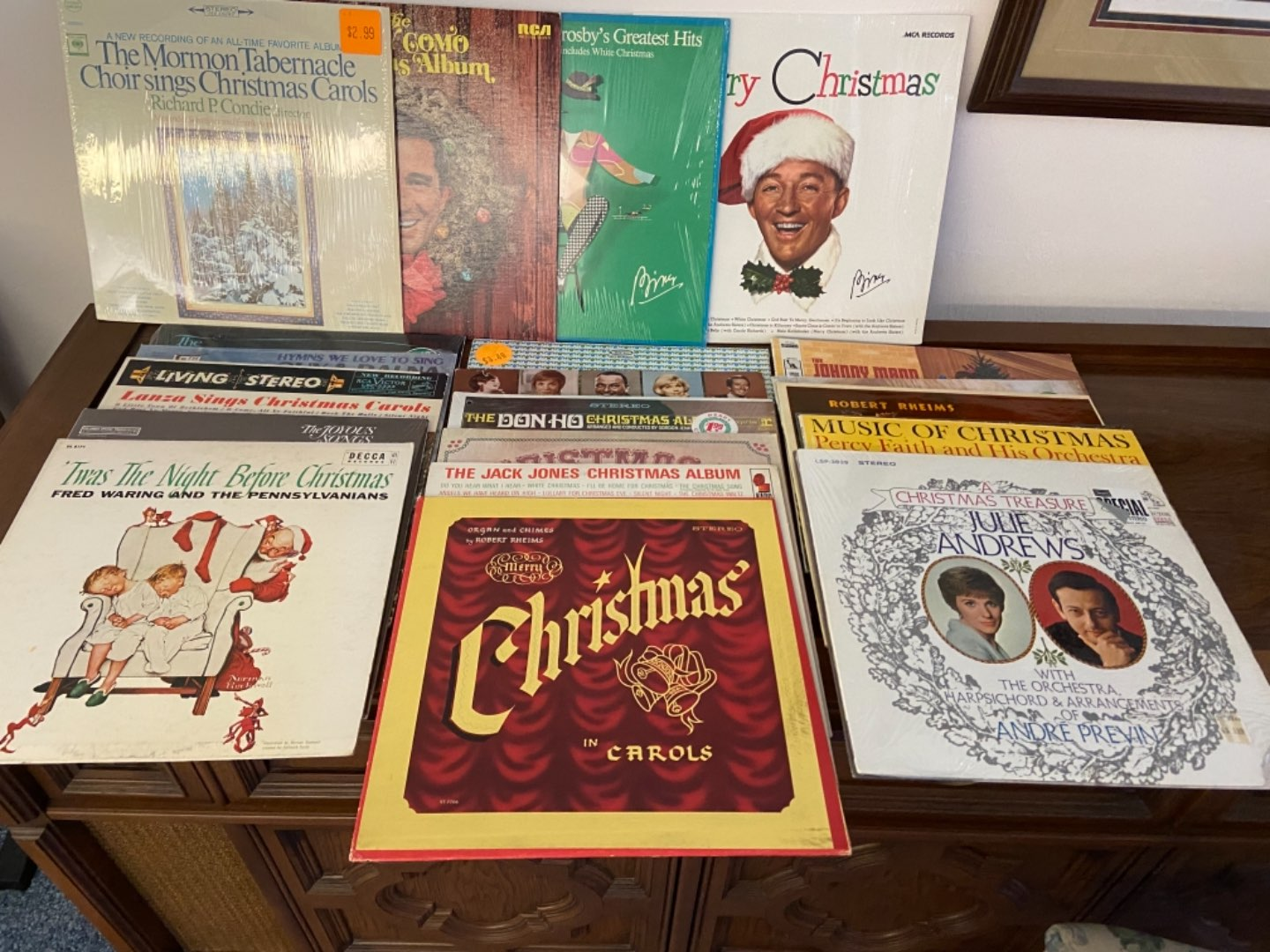 Lot # 305 Holiday Records