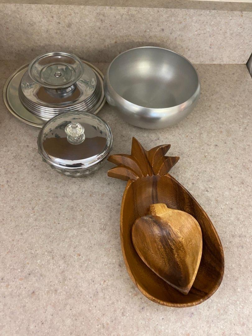 Lot # 329 Candy Dishes, Wood Bowls & Kensington Aluminum Bowl