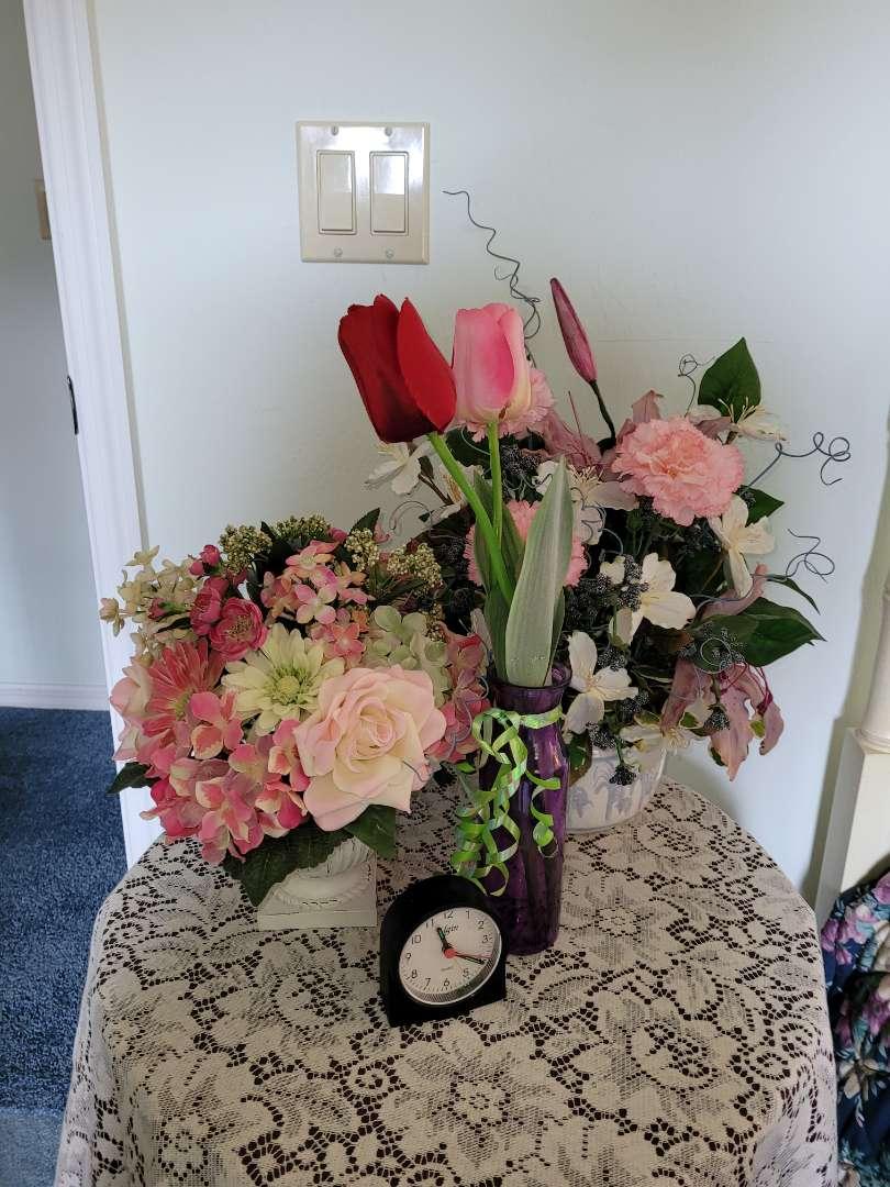 Lot # 330 (2) Faux Flower Bouquets & Clock