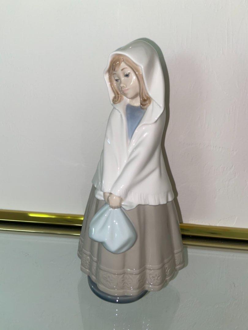 Lot # 352 Lladro Nao Figurine