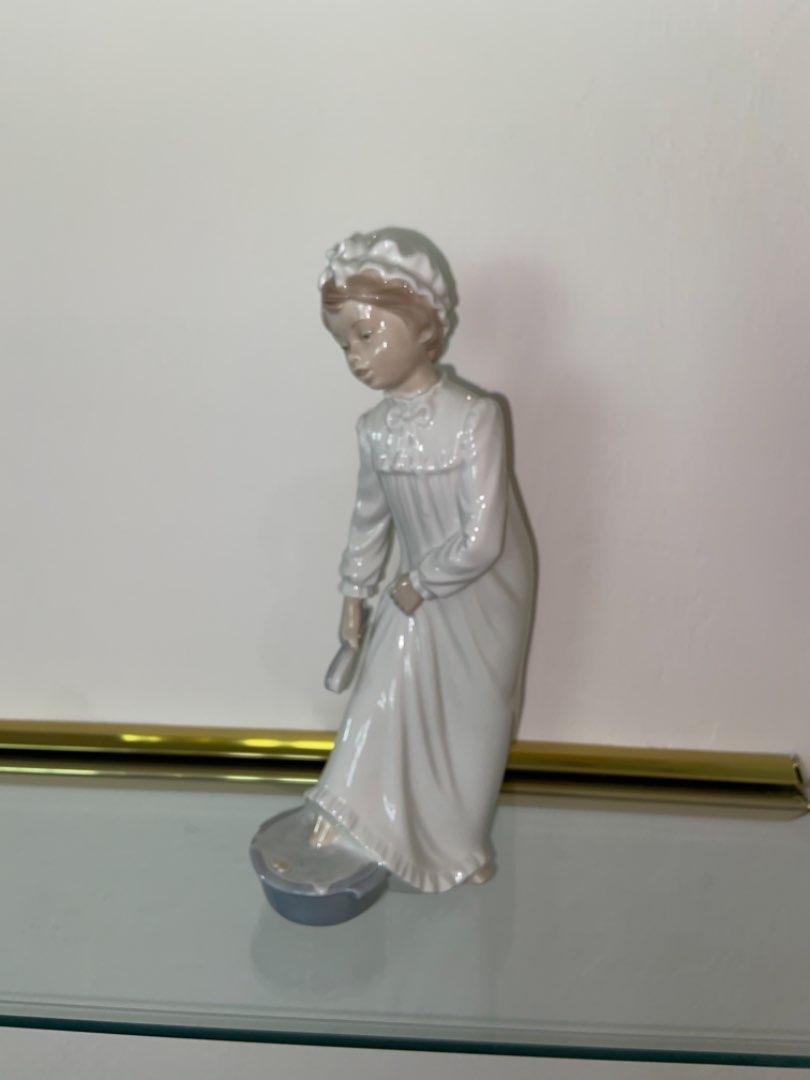 Lot # 354 Lladro Nao Porcelain Girl Nightgown Foot Bath