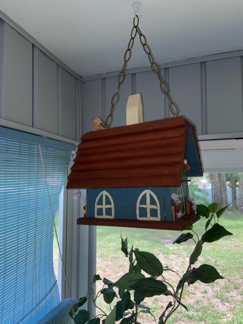 Lot # 362 Beautiful Bird House