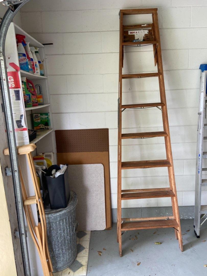Lot # 388 Werner 8' Wood Ladder