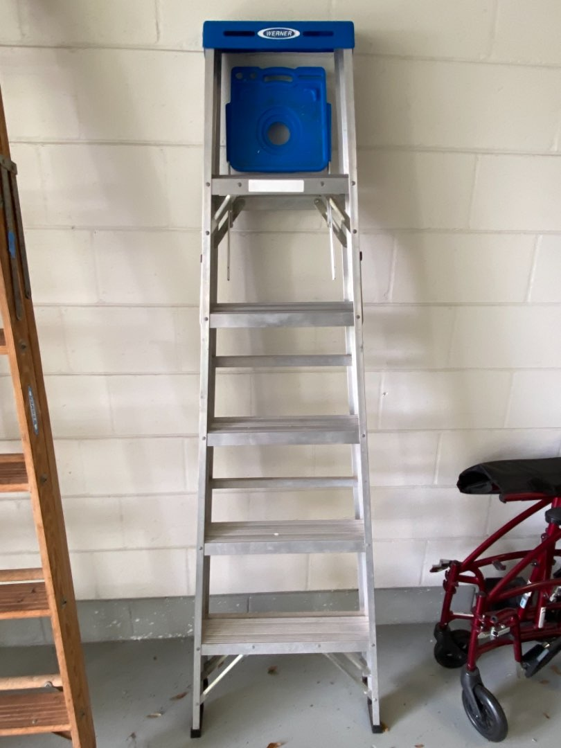 Lot # 389 Werner 6' Aluminum Ladder