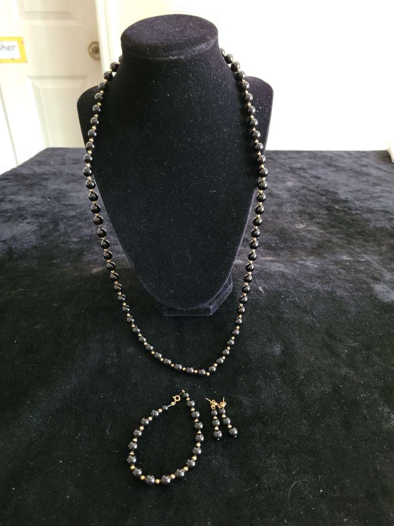 Lot # 425 Beautiful Beaded Necklace, Earring & Bracelet Set - 14k Gold Accent Beads & Clasp