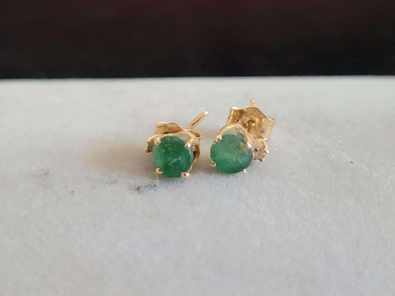 Lot # 432 Beautiful 14k Gold Emerald Earrings - TW is .7g