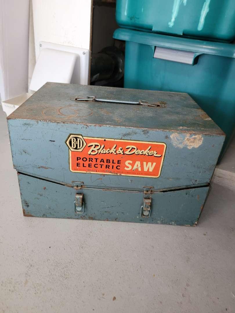 Lot # 462 Vintage Black & Decker Portable Electric Saw w/ Metal Case