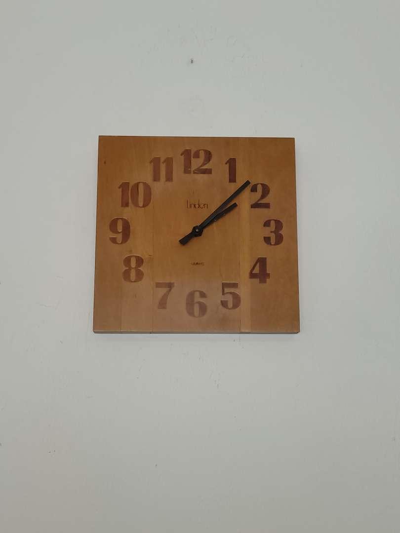 Lot # 475 Linden Clock