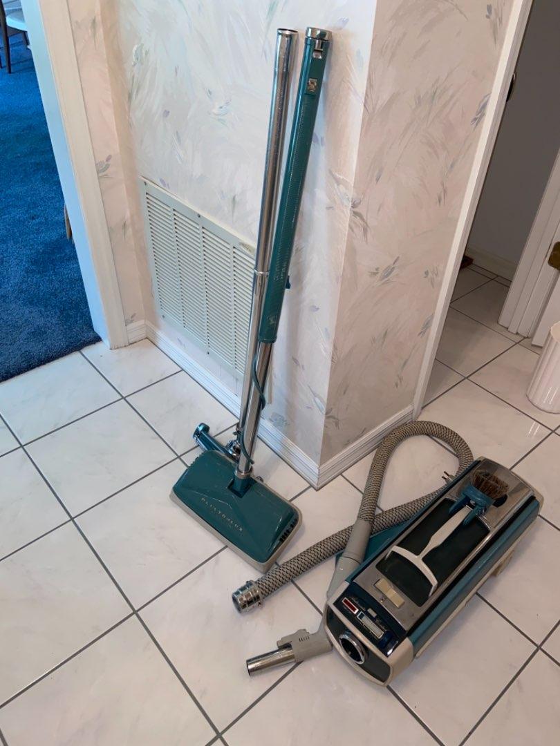 Lot # 480 Vtg Electrolux Vacuum - Works