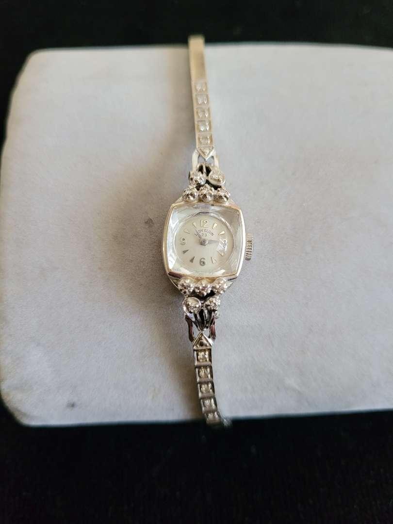 Lot # 481 Vintage 14k Gold Lady's Elgin Watch w/ Diamonds - TW is 16.6g
