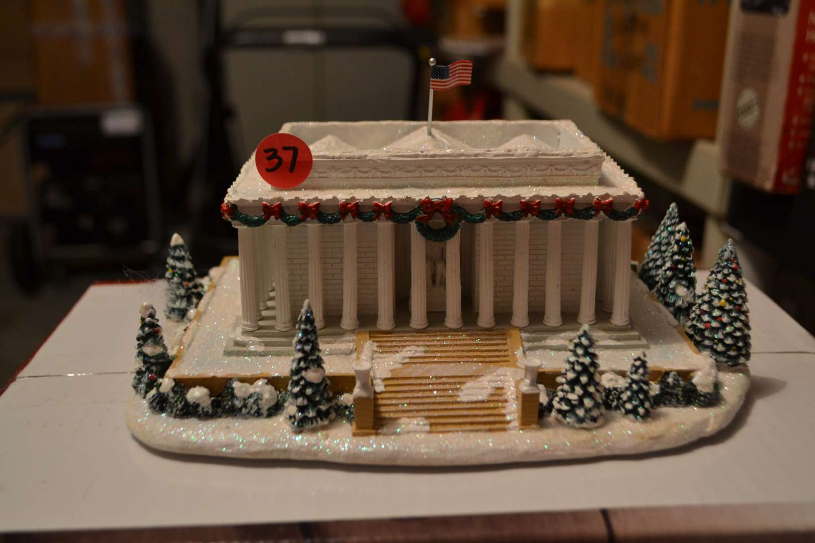 Lot # 37 LIGHTED LINCOLN MEMORIAL MADE BY HAWTHORN VILLAGE