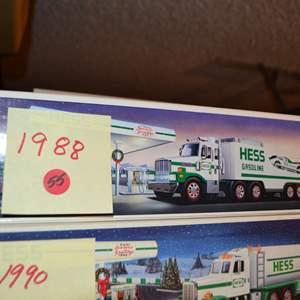 Lot # 55 1998 HESS TRUCK NIB