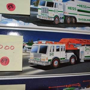 Lot # 59 2000 HESS TRUCK NIB