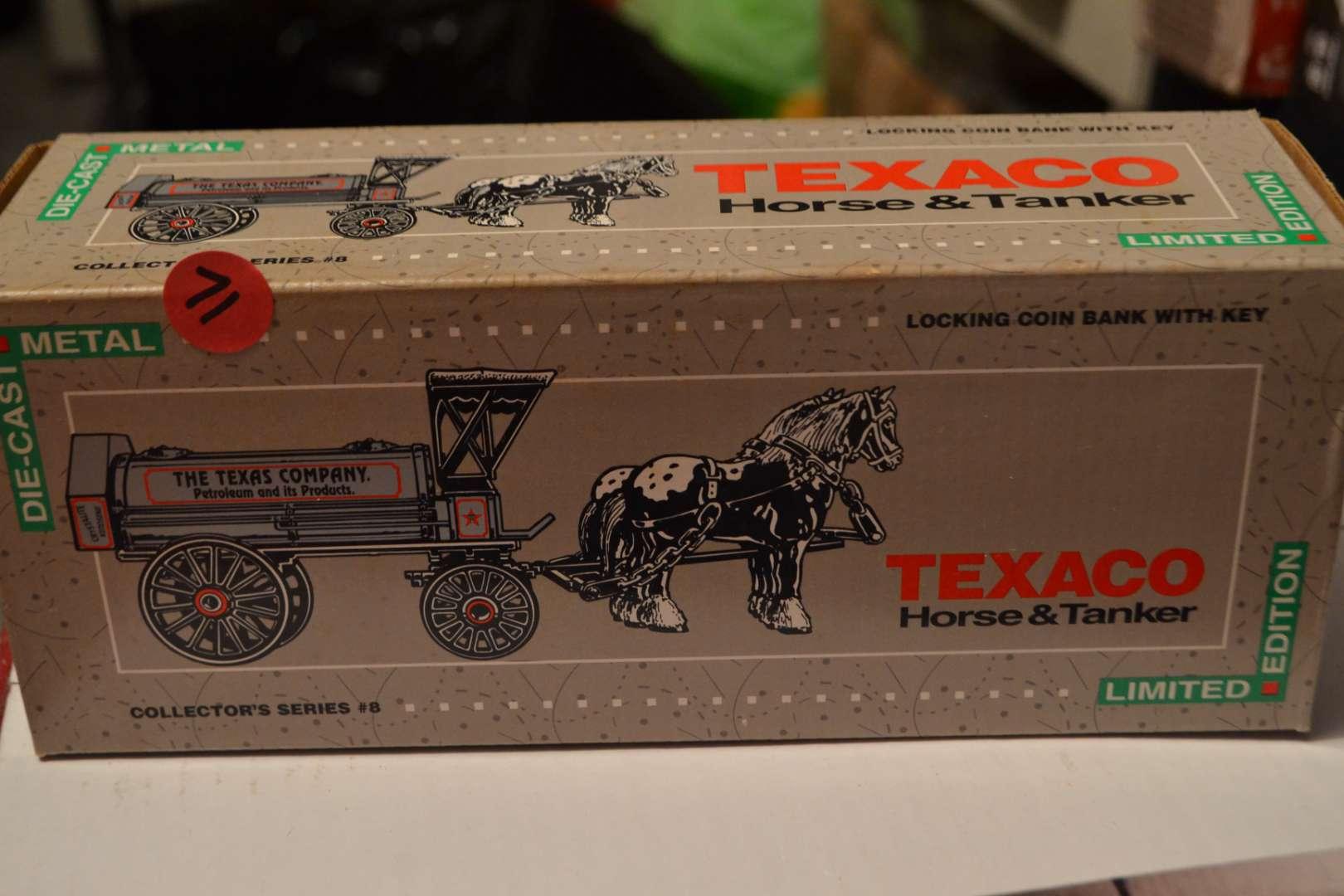 Lot # 71 TEXACO HORSE & CARRIAGE