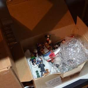 Lot # 81 BOX OF PLASTIC PEOPLE